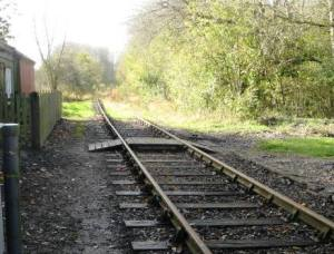 Mursley footpath 19 crosses the railway at Swanbourne station